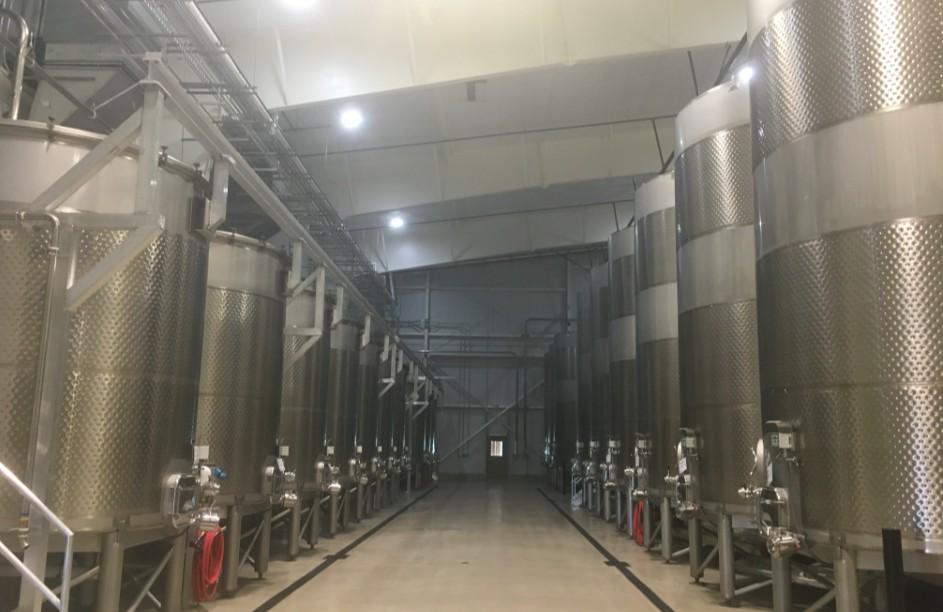 Перевозка резервуаров для производства вина из Италии в Казахстан